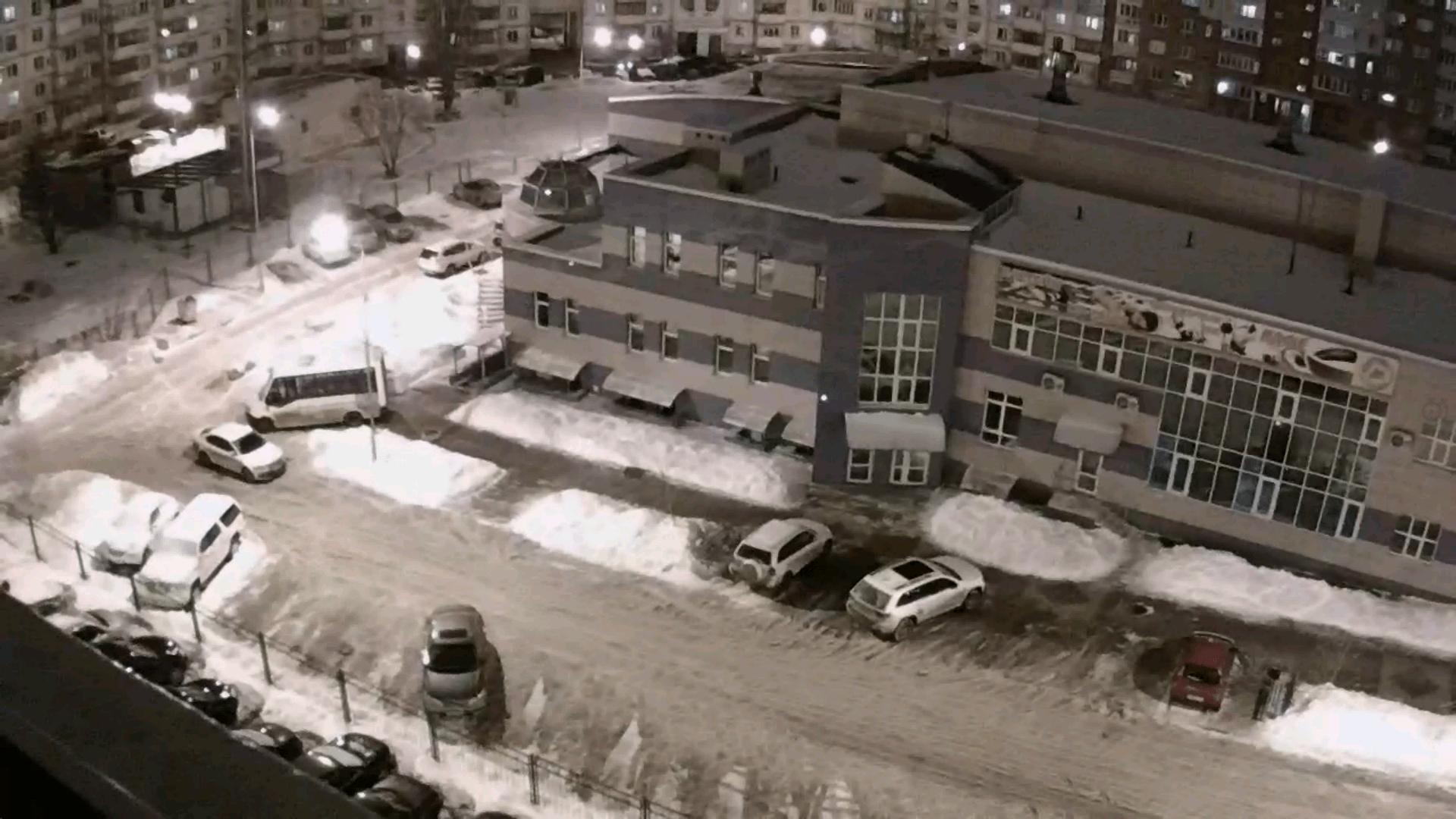 Съёмка улицы в ночное время