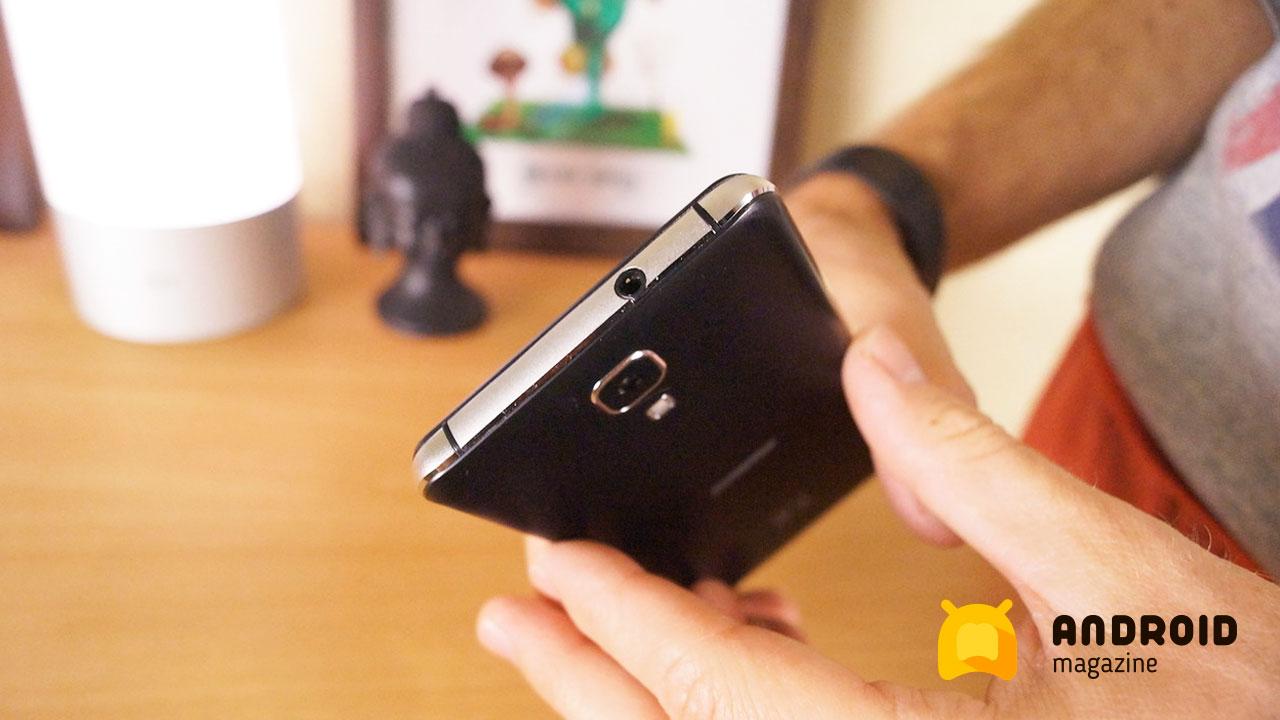 Digma Vox G500 3G - дешевый телефон с очень ёмким аккумулятором