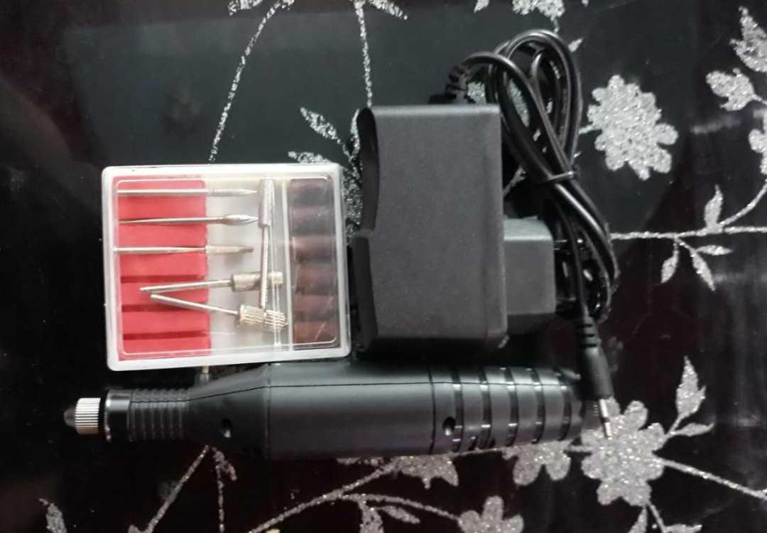 Электрический набор для маникюра и педикюра