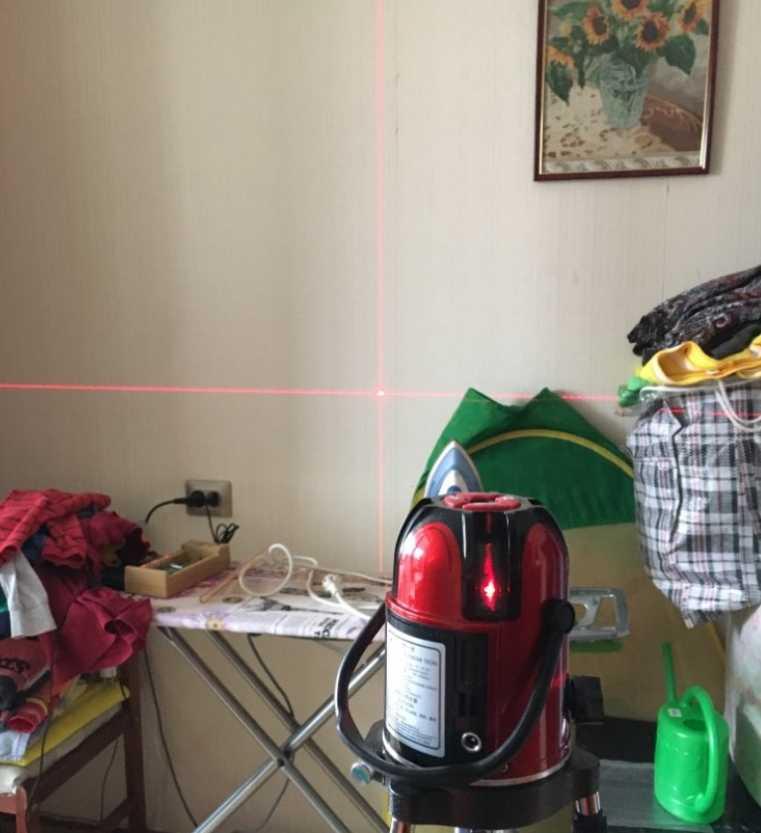 Лазерный уровень DEKO LL56