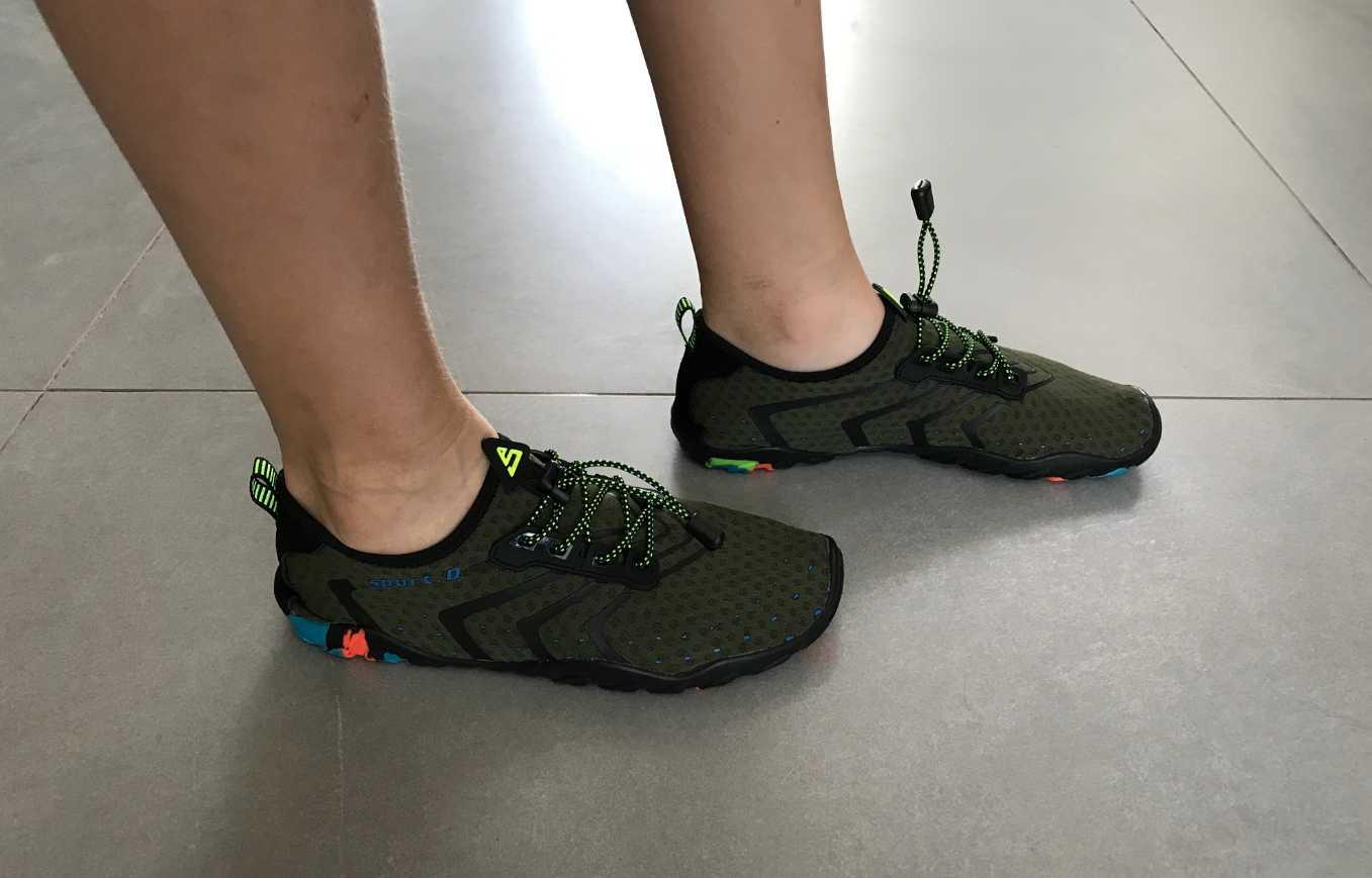 Легкие походные кроссовки