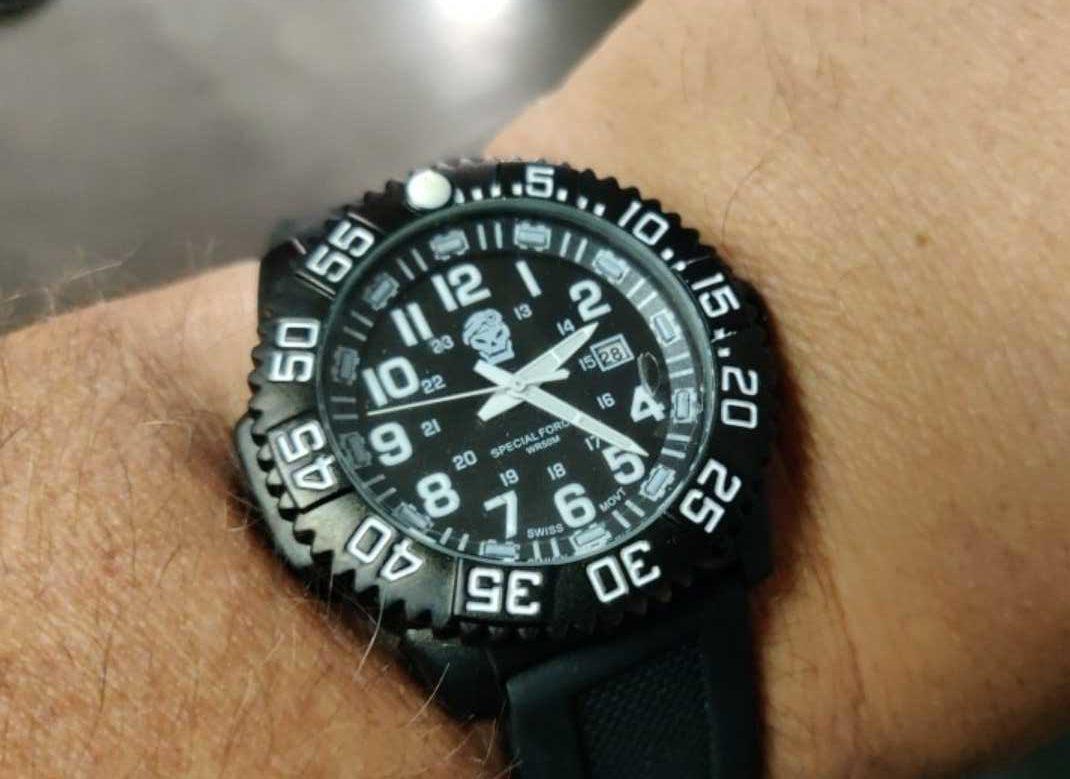 Надёжный тактические часы
