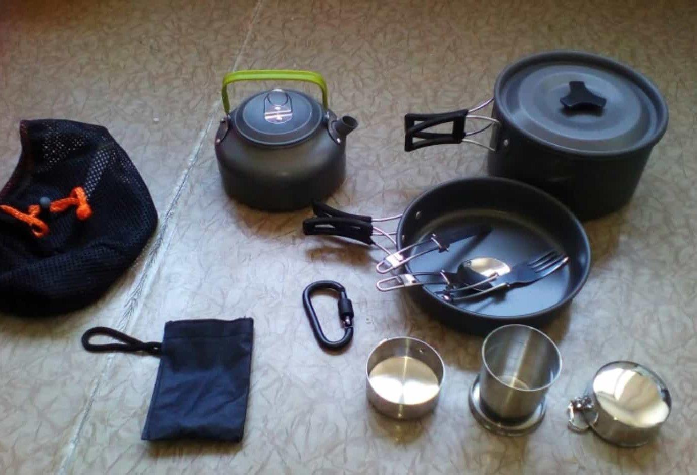 Недорогой набор посуды с антипригарным покрытием