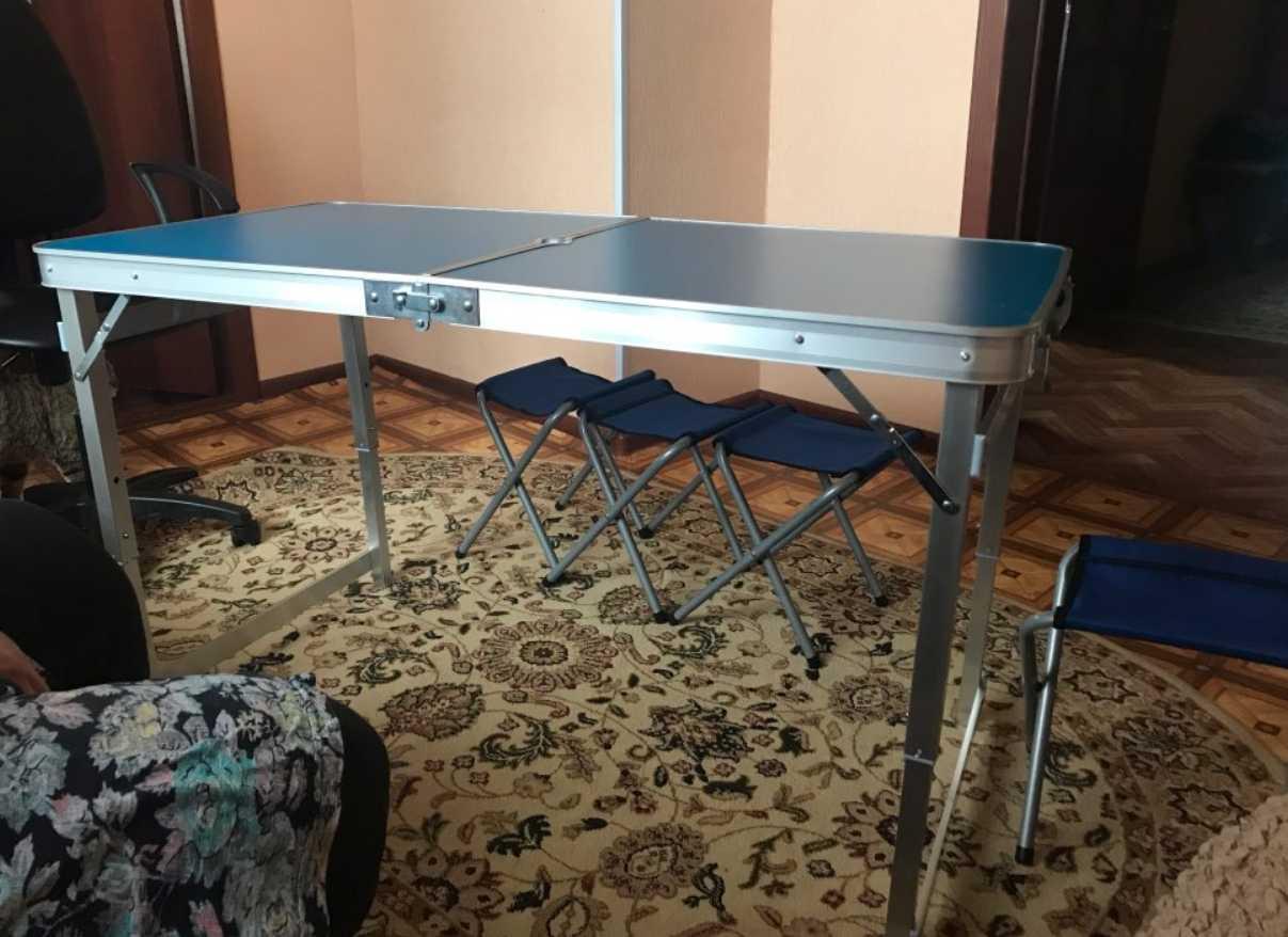 Походный столик и стулья
