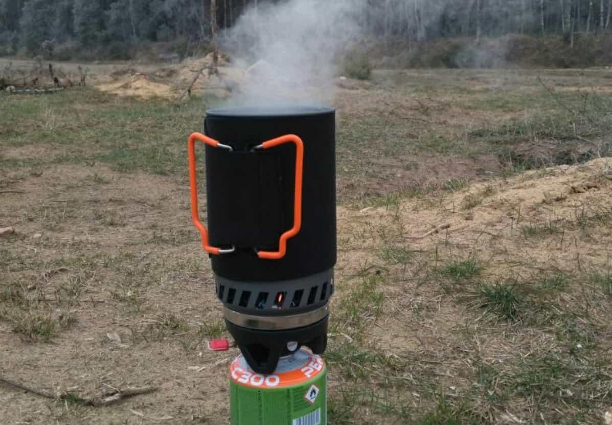 Полезная ветрозащитная горелка с термосом