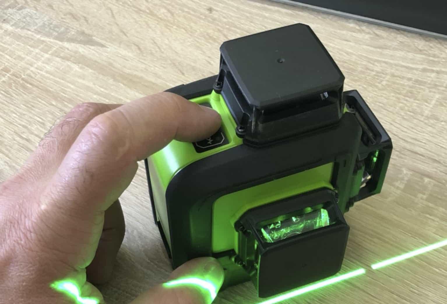 Профессиональный лазерный уровень Huepar HP-903CG
