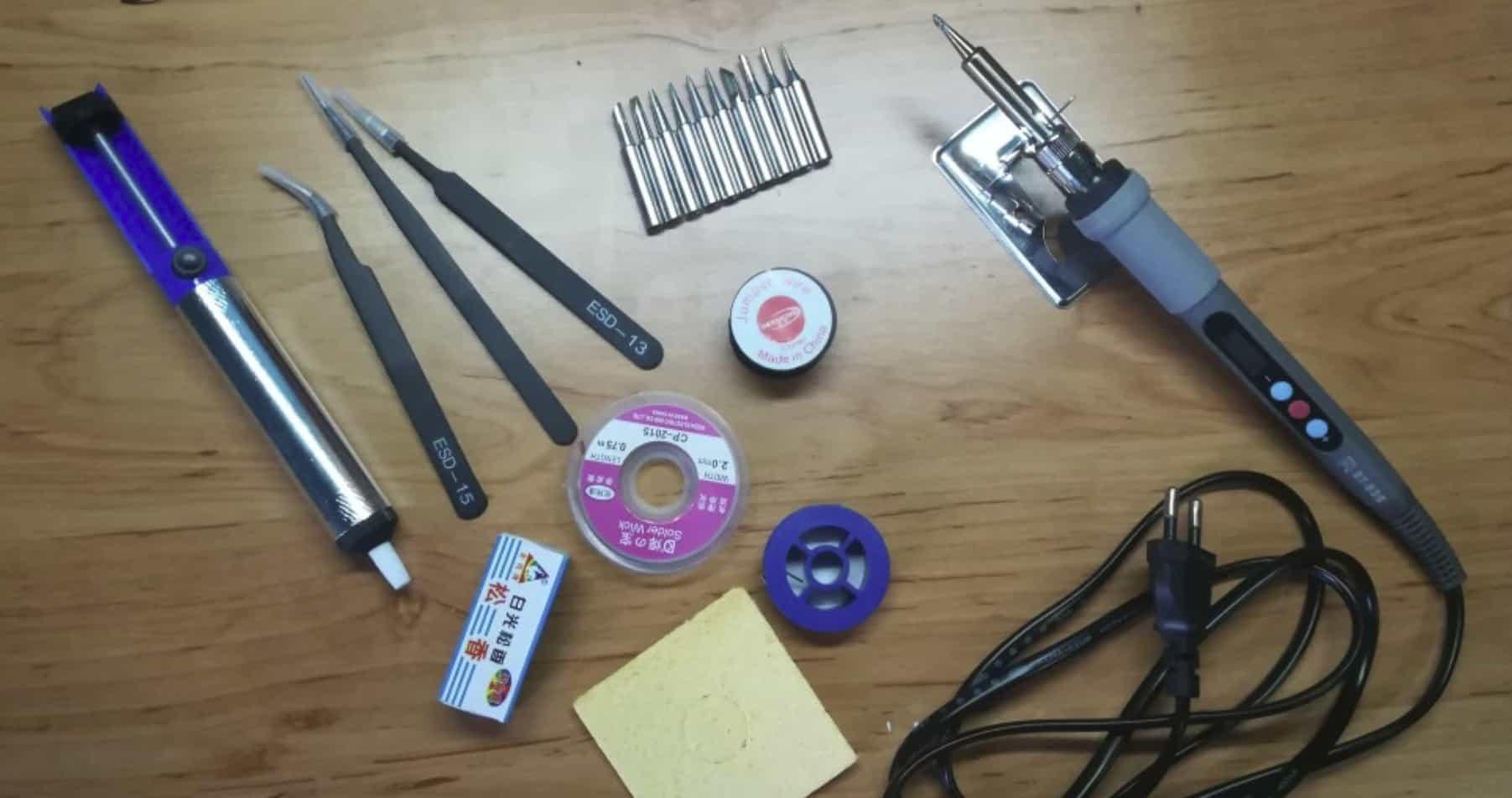 Набор инструментов для электронщика
