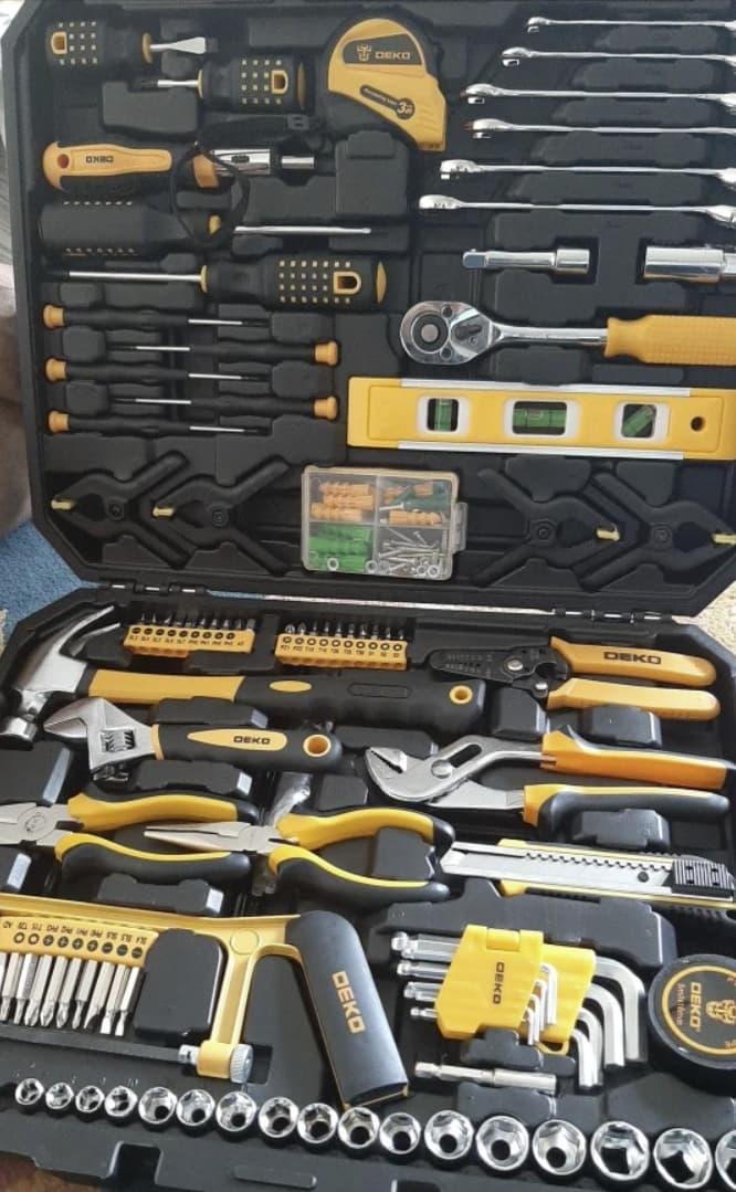 Добротный набор инструментов DEKO