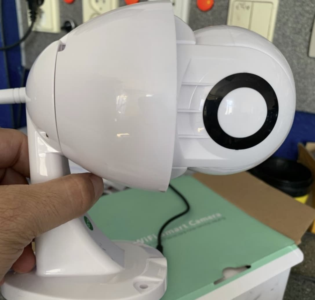 Поворотная камера для наружного наблюдения
