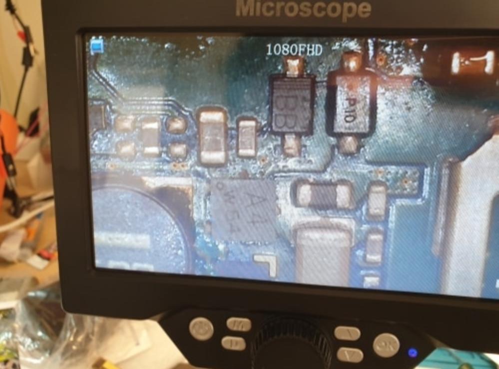 Цифровой микроскоп MUSTOOL G1200 с дисплеем