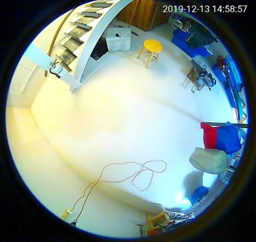 LED-лампа INQMEGA со встроенной камерой