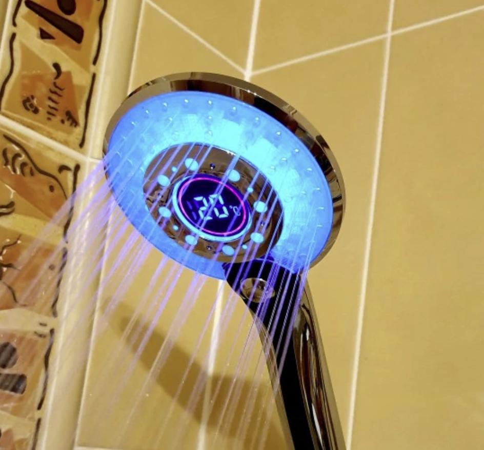 Навороченная лейка с LED-подсветкой