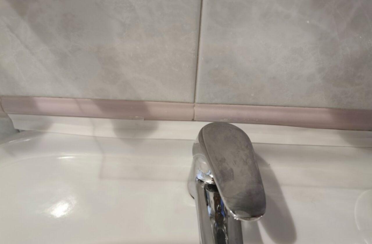 Уплотнительная лента для ванной