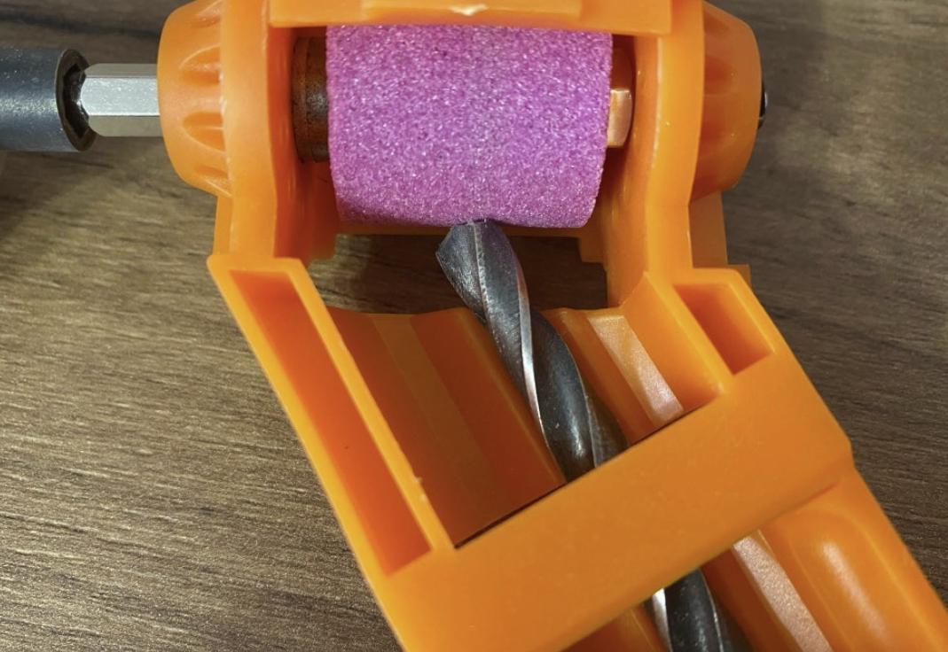 Инструмент для заточки свёрл