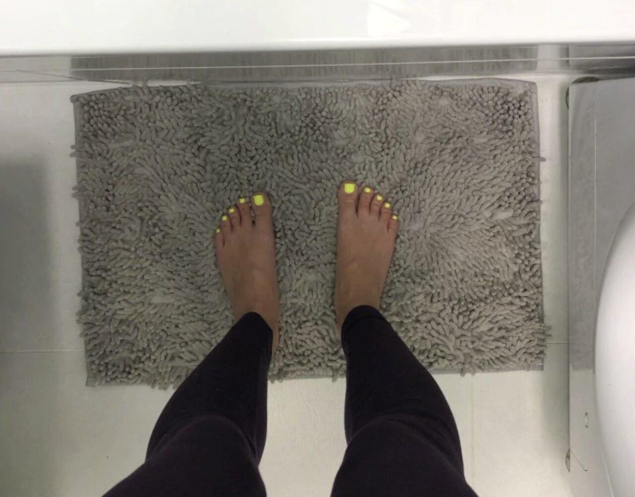 Качественный коврик для ванной