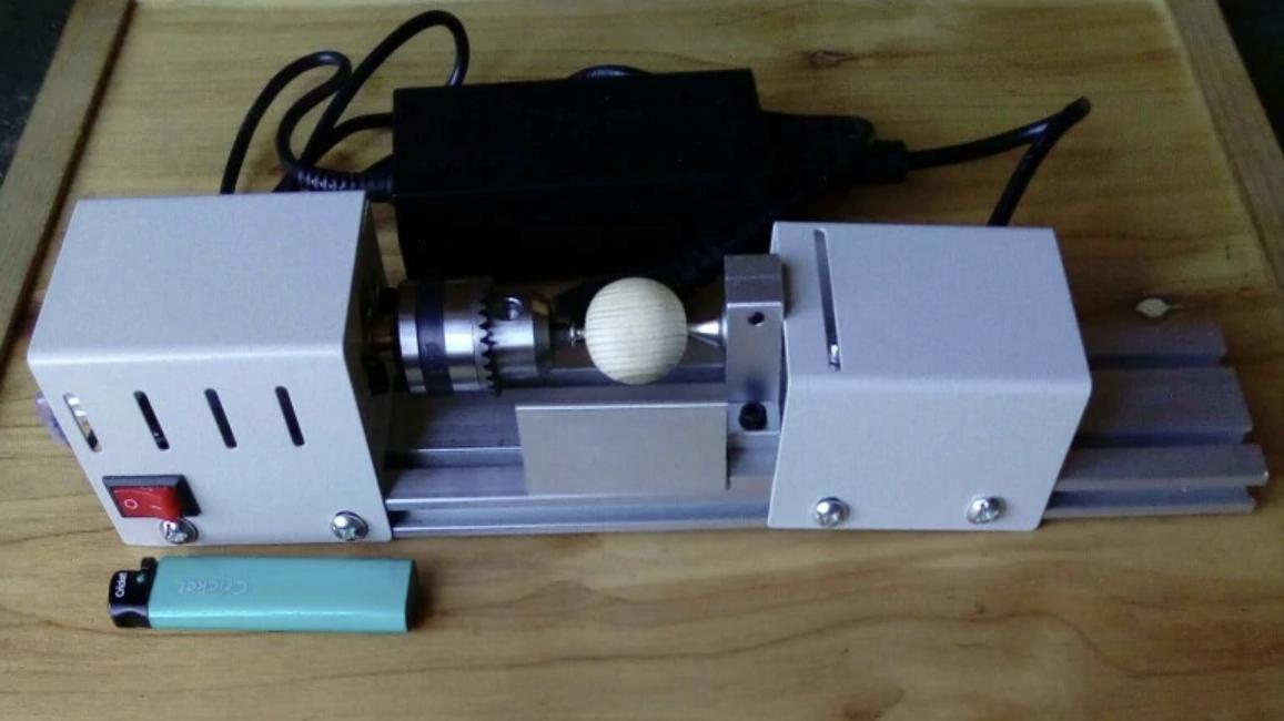 Универсальный миниатюрный токарный станок по дереву UNGFULL