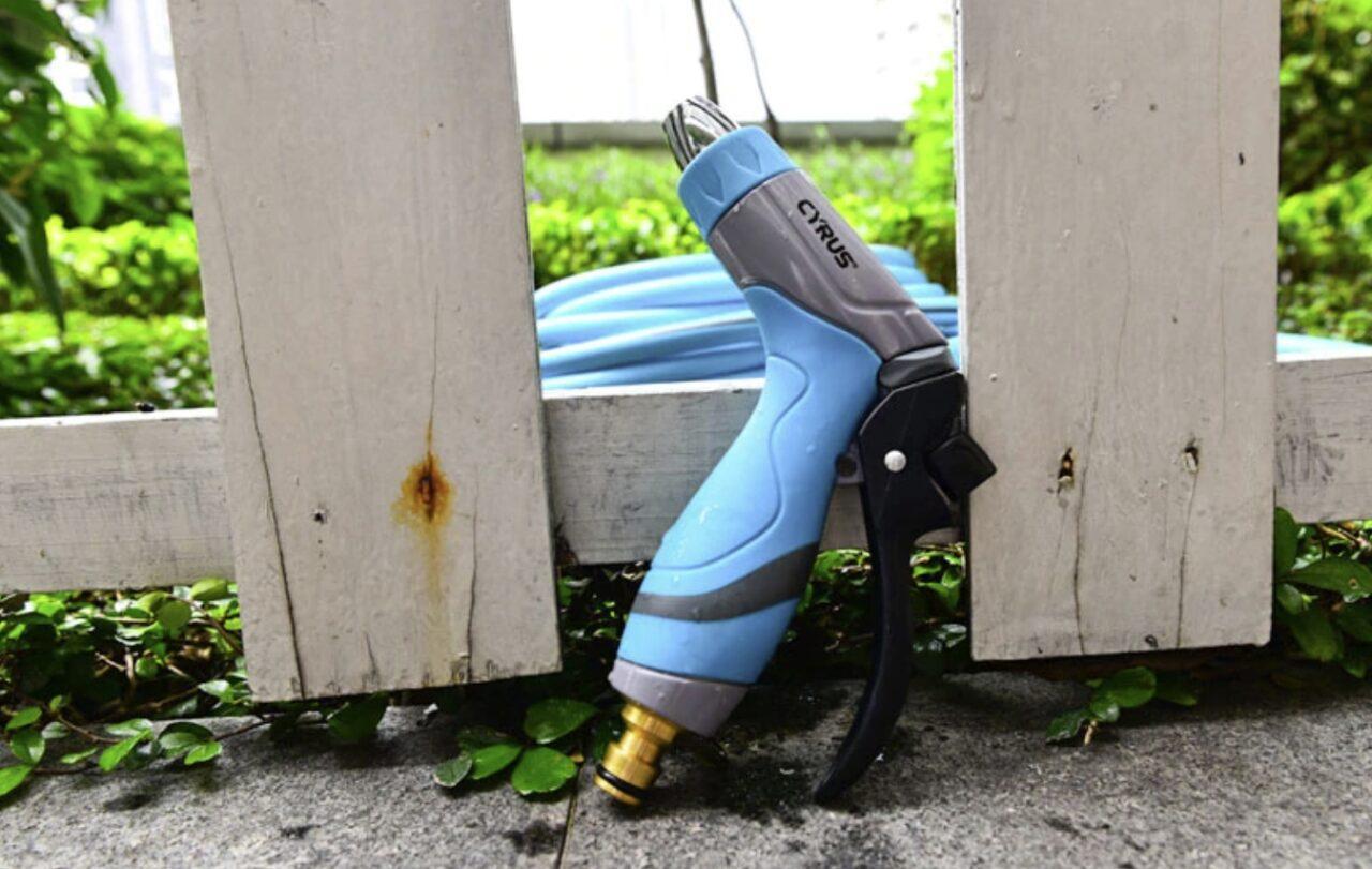 Насадка-распылитель для полива растений
