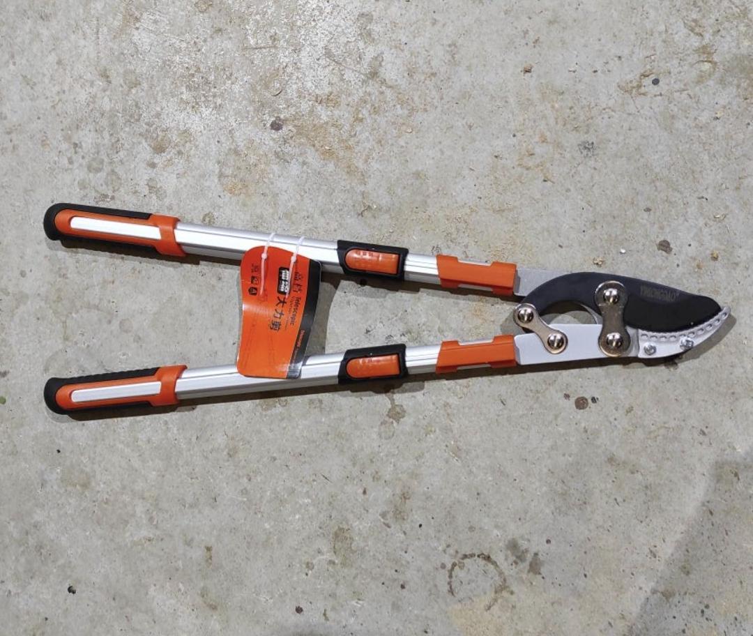 Ножницы для обрезки деревьев